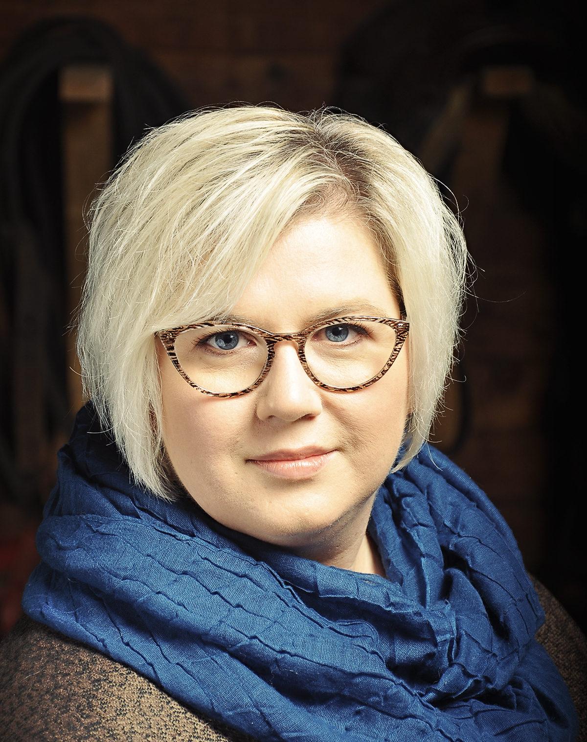 Joyce  Lorenzen